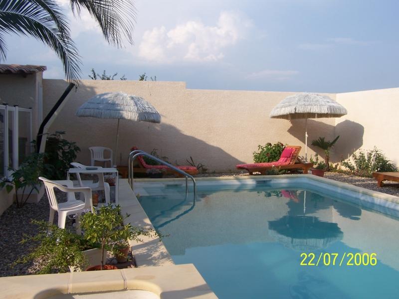 Locsud appartement au rdc d 39 une villa avec jardin et for Piscine clermont