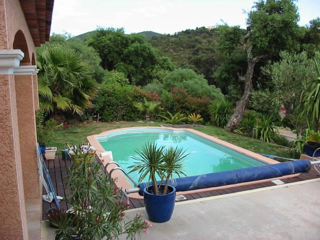 Locsud location vacances avec piscine dans le var la for Camping dans le var avec piscine