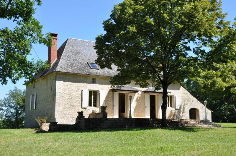 Maison Périgourdine, au Calme Sur 1,6 Ha avec Piscine Privée